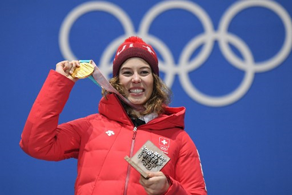 احرزت السويسرية ميشيل جيزان لقب بطلة مسابقة كومبينيه التزلج الالبي