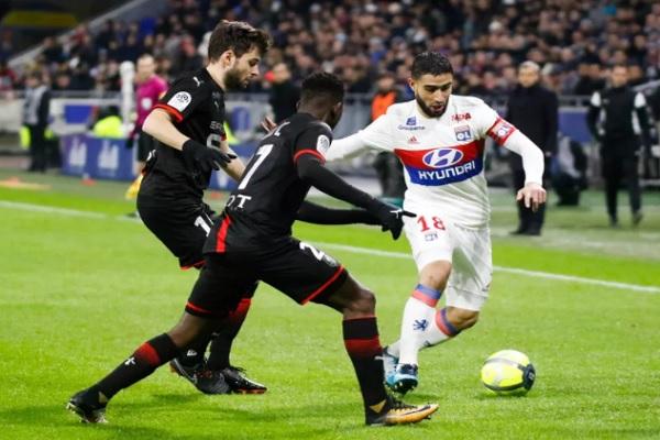 ليون يواصل نتائجه المخيبة في الدوري الفرنسي