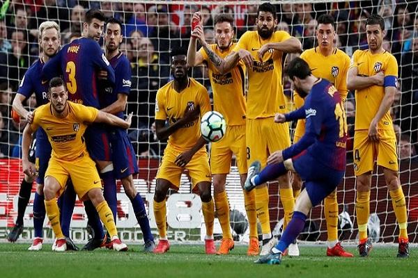 ميسي يعبد طريق برشلونة نحو اللقب