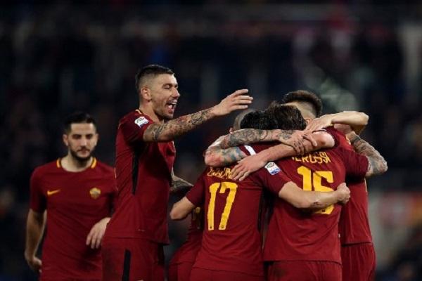 روما يهزم تورينو بثلاثية ويحتفظ بالمركز الثالث