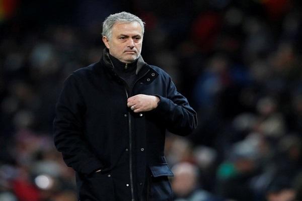 خروج مانشستر يونايتد من دوري الأبطال يزيد الضغوط على مورينيو