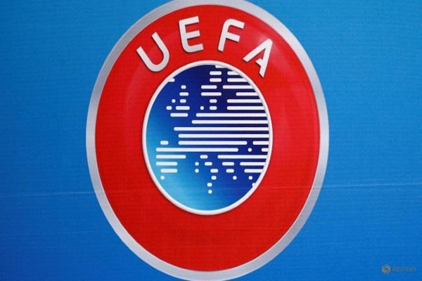 السماح ببديل رابع في الأدوار الإقصائية للبطولات الأوروبية
