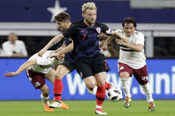 راكيتيتش يعيد كرواتيا إلى سكة الانتصارات