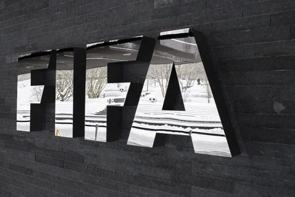 فيفا يدرس فكرة إلغاء نظام إعارة اللاعبين