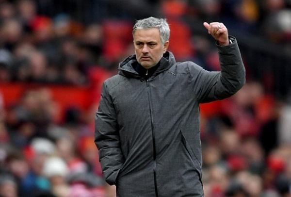 نجوم مانشستر يونايتد يواجهون غضب مورينيو