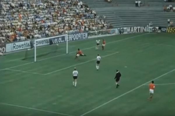 هدف حمان في مرمى المنتخب الألماني خلال مونديال 1970