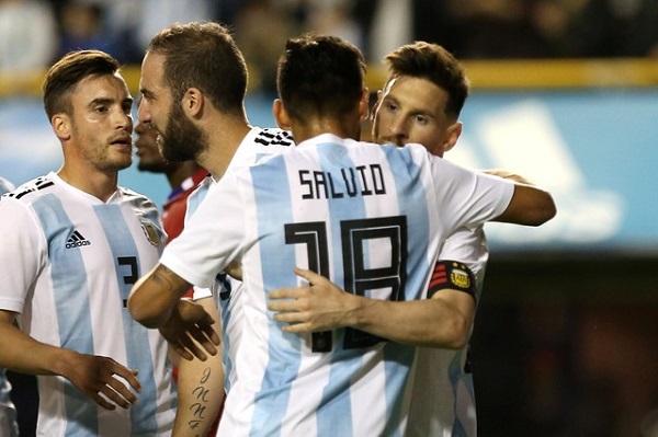 منتخب الأرجنتين يودع جمهوره بفوز ودي كبير وثلاثية لميسي
