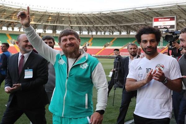 صلاح يغيب عن تمرين مصر الأول ورئيس الشيشان يحضره الى الملعب