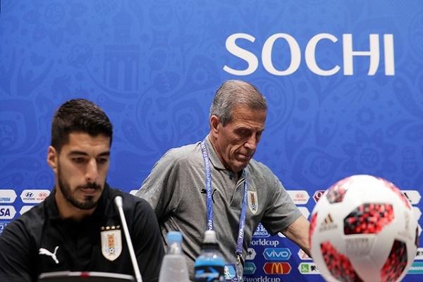 تاباريز وسواريز في المؤتمر الصحفي