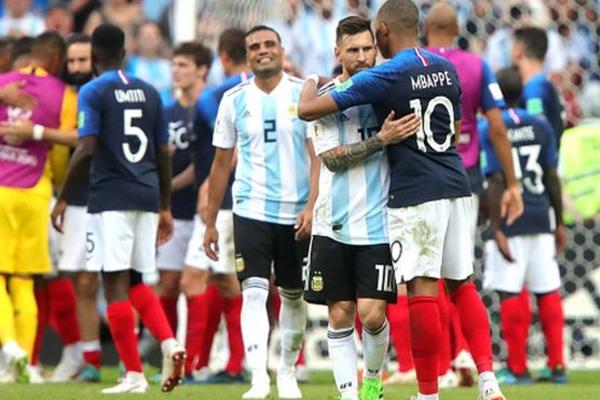 ميسي فشل في إنقاذ الأرجنتين بينما أحرز مبابي هدفي الفوز للفريق الفرنسي