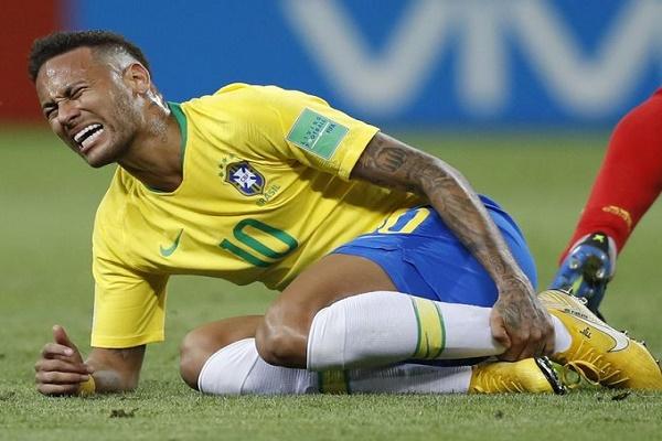 جماهير بلجيكا تسخر من نيمار والبرازيليين يردون