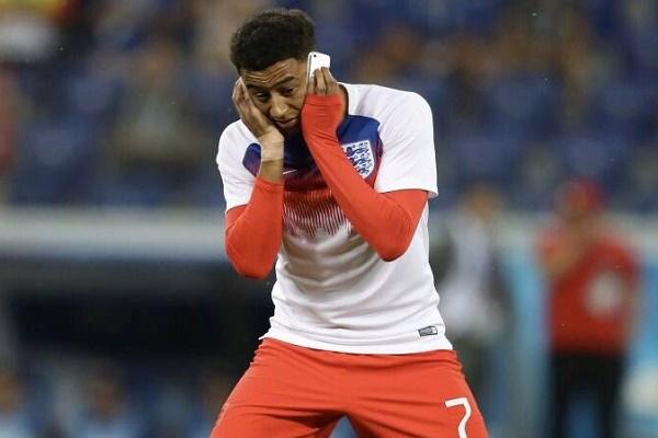 أغرب احتفال من لينغارد بتأهل إنكلترا لربع النهائي