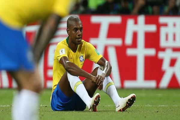 فرناندينيو مهدد بالقتل بسبب إقصاء البرازيل من المونديال