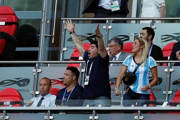 مارادونا يعتذر عن انتقاده لحكم إنكلترا-كولومبيا