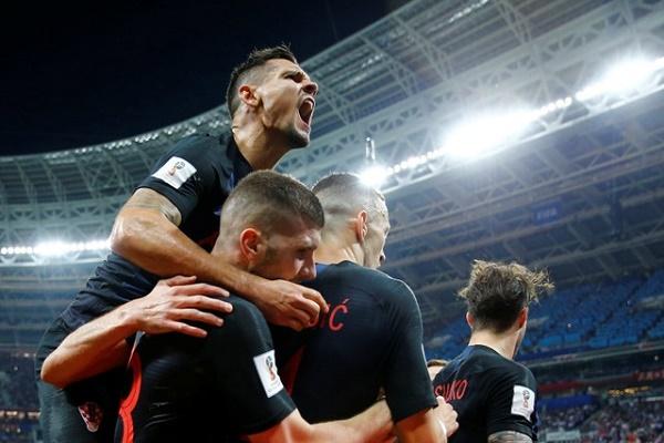 كرواتيا تهزم انكلترا بركلات الترجيح وتضرب موعدا مع فرنسا في النهائي