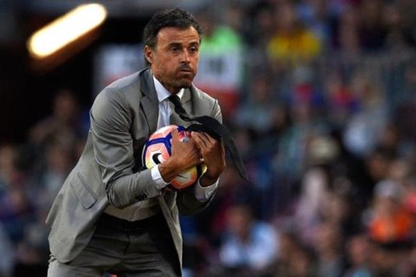 سيشرف أنريكي على منتخب إسباني أقصي في الدور 16 من نهائيات كأس العالم