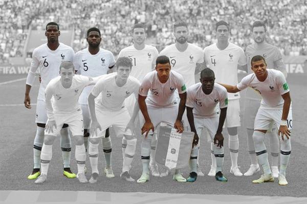 ضمت التشكية الأساسية لمنتخب فرنسا أمام أوروغواي خمسة لاعبين أحد أبويهم على الأقل من المهاجرين