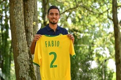 الظهير البرازيلي فابيو إلى نانت الفرنسي