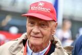 بطل العالم 3 مرات في سباقات الفورمولا واحد النمسوي نيكي لاودا خلال حضوره سباق جائزة النمسا الكبرى على حلبة شبيلبرغ في 3 تموز/يوليو 2016.