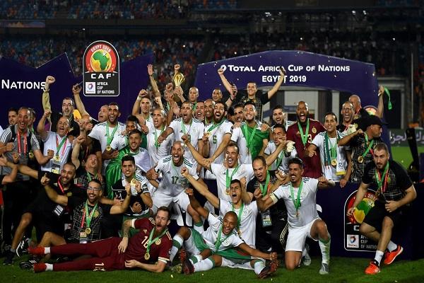 الجزائر تهزم السنغال وتتوج بلقب كأس أمم إفريقيا