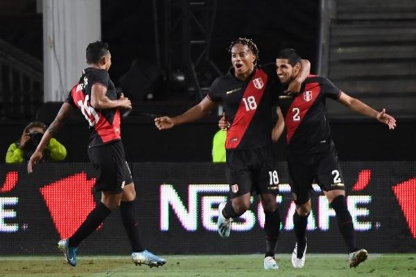 ثأر المنتخب البيروفي من نظيره البرازيلي وألحق به الهزيمة الأولى منذ ربع مونديال روسيا 2018