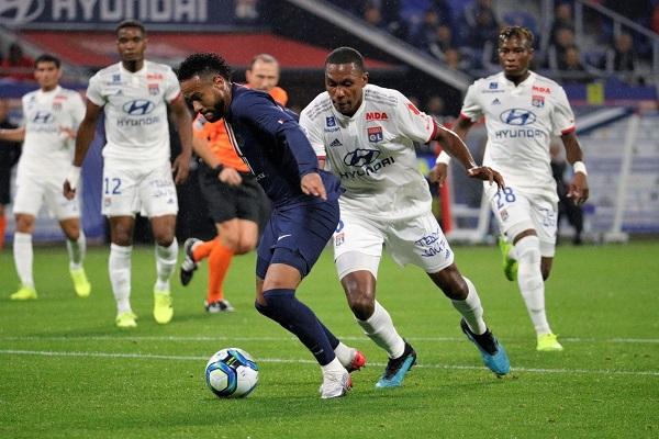 نيمار ينقذ باريس سان جرمان للمباراة الثانية تواليا