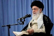صورة وزعها الموقع الرسمي للمرشد الأعلى للجمهورية الإسلامية الإيرانية علي خامئني أثناء حضوره اجتماعًا في طهران في 17 سبتمبر 2019