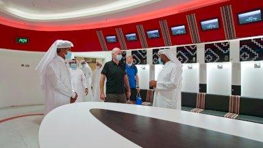 رئيس الاتحاد الدولي لكرة القدم جاني انفانتينو في زيارة لاستاد البيت في مدينة الخور في قطر في 7 تشرين الاول/اكتوبر 2020