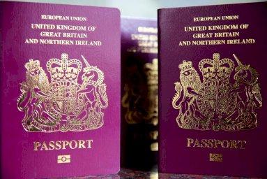 دعوى لإضافة جنس ثالث غير الذكر والأنثى لجوازات السفر البريطانية