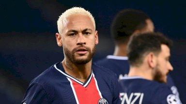 نجم باريس سان جرمان البرازيلي نيمار بعد تسجيله هدف فريقه الوحيدفي مرمى لايبزيغ الالماني في دوري ابطال اوروبا. 24 تشرين الثاني/نوفمبر 2020