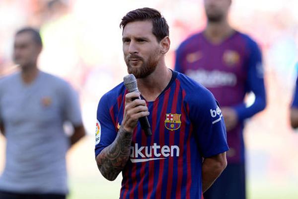 وعد الأرجنتيني ليونيل ميسي مشجعي ناديه برشلونة الإسباني بإعادة لقب دوري أبطال أوروبا إلى المدينة الكاتالونية
