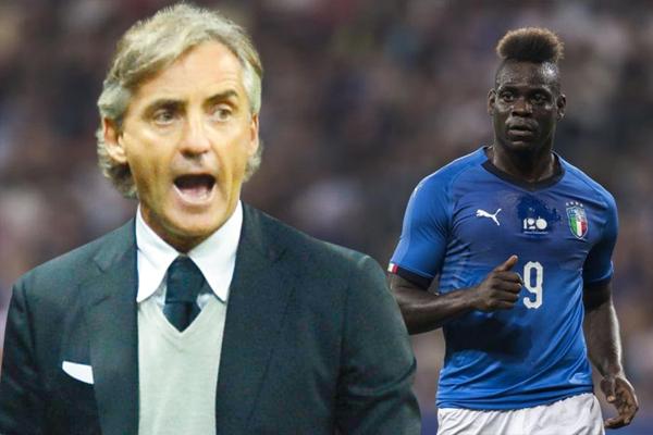 دافع مدرب المنتخب الإيطالي لكرة القدم روبرتو مانشيني عن مهاجمه ماريو بالوتيلي الذي لقي انتقادات بعد المباراة الأولى