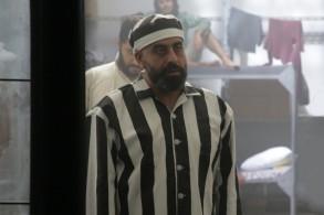 هشام حداد في بدلة السجن