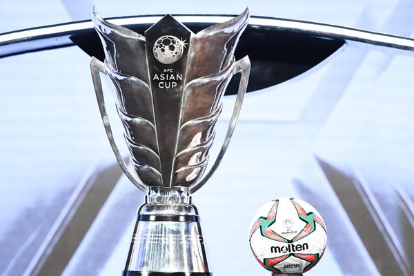 عبرت كوريا الجنوبية عن رغبتها باستضافة النهائيات التي يشارك فيها 24 منتخبا قبل سنتين