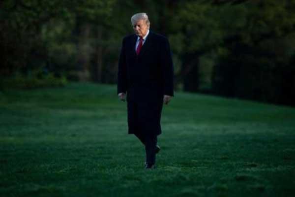 الرئيس الأميركي دونالد ترمب في حديقة البيت الأبيض في 15 إبريل 2019