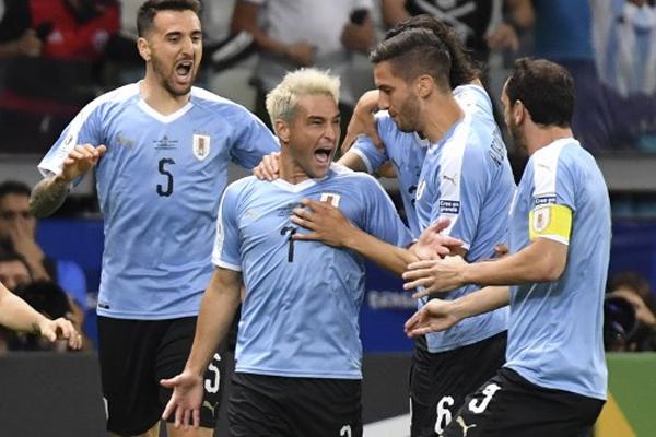 كشر المنتخب الأوروغوياني عن أنيابه بفوز ساحق على نظيره الإكوادوري