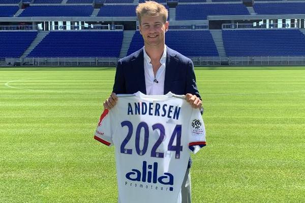 الدنماركي أندرسن إلى ليون في صفقة قياسية للنادي الفرنسي