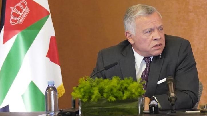 الملك عبدالله الثاني متحدثا لاعضاء لجنة التحديث