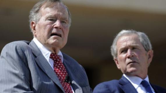الرئيسان السابقان بوش الإبن والأب يعلقان على تصريحات ترامب بشأن شارلوتسفيل