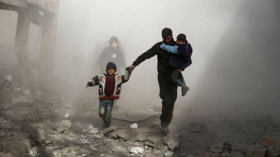 الجيش السوري يتقدم في الغوطة الشرقية وفرار السكان بحثا عن ملجأ