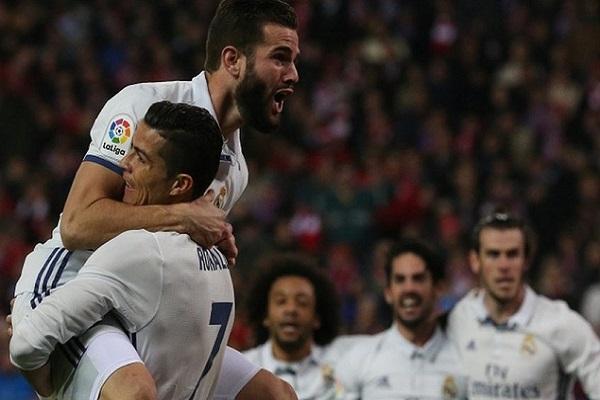 المباراة انتهت بفوز ريال مدريد على أتليتيكو بثلاثة أهداف مقابل لا شيء.