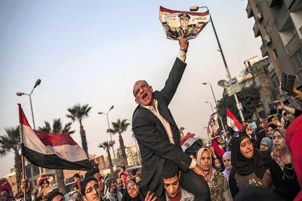الجيش من استعاد مصر من براثن الإسلاميين بعد الثورة وليس الليبراليين