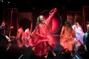 مسرحية فينيكس على المسرح الصغير دراماتن في ستوكهولم