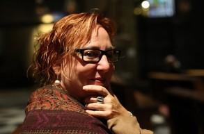 ميرين آغور ميابي: ست قصائد