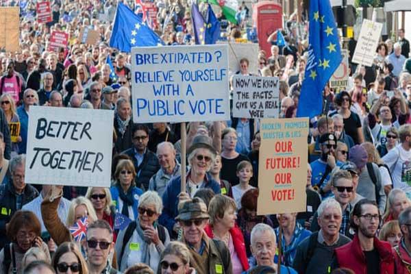 مسيرة تصويت المواطنين في وسط لندن في 20 أكتوبر دليل آخر على الانقسامات داخل المملكة المتحدة