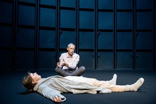 مسرحية كيف نعيش على الارض؟ ومسرحية يوم القيامة في السويد