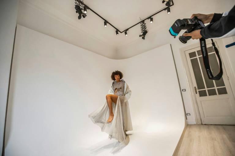 عارضات أزياء مصريات يسعين لتغيير المعايير في عالم الموضة