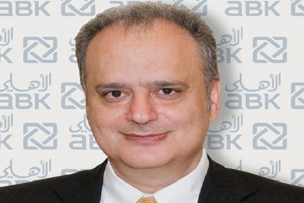 ميشيل العقاد، الرئيس التنفيذي للبنك الأهلي الكويتي
