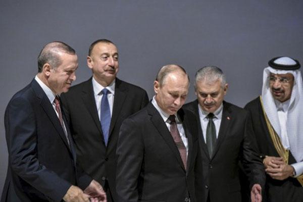 روسيا وتركيا توقعان مشروع أنبوب