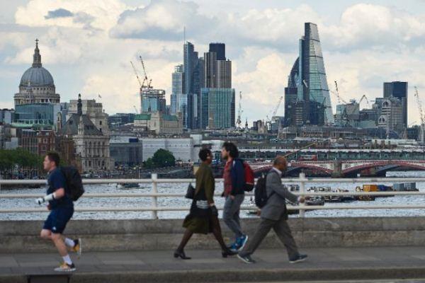النشاط الاقتصادي البريطاني قد يشهد صدمة كبيرة في العام المقبل